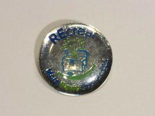 Pin Metalicas con Resina 2