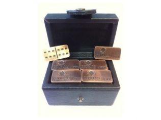 domino en caja